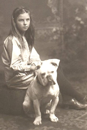 Young girl and her Olde Bulldogge